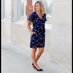 Ann Taylor XLT Floral Dress with lace shoulder EUC